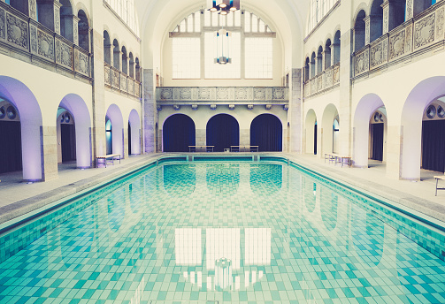 Standing Water「The beautiful old swimming pool in Berlin」:スマホ壁紙(4)