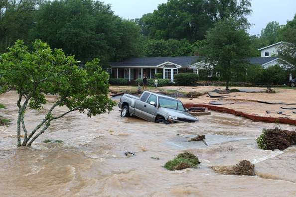 Torrential Rain「Storm Systems Brings Severe Flooding To Pensacola」:写真・画像(14)[壁紙.com]