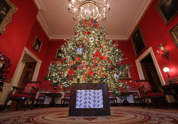 White House - Washington DC「Holiday Decorations On Display At The White House」:写真・画像(12)[壁紙.com]