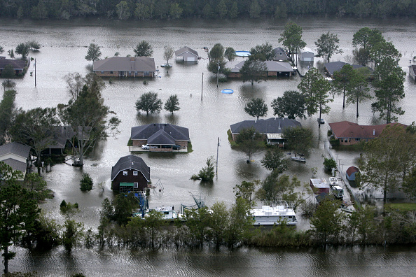 Suburb「New Orleans Feels Effects Of Hurricane Rita」:写真・画像(13)[壁紙.com]