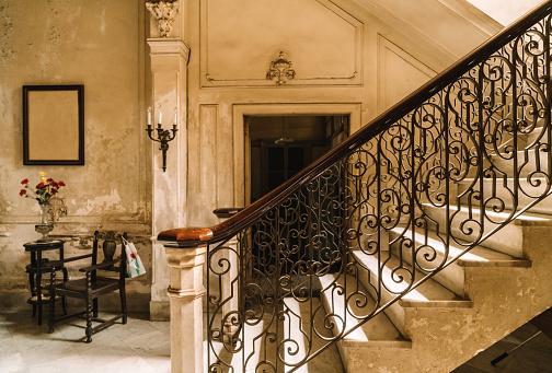 Colonial Style「Staircase of a Colonial Villa in Havana, Cuba」:スマホ壁紙(18)