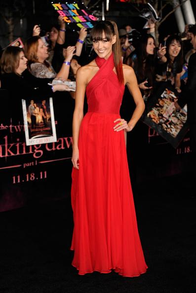 "Halter Top「Premiere Of Summit Entertainment's ""The Twilight Saga: Breaking Dawn - Part 1"" - Arrivals」:写真・画像(2)[壁紙.com]"