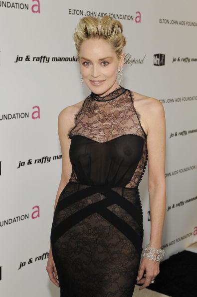 ドレス「17th Annual Elton John AIDS Foundation Oscar Party - Red Carpet」:写真・画像(18)[壁紙.com]