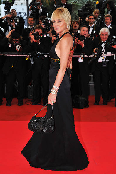 Halter Top「Cannes 2008: 'I Am Because We Are' - Premiere」:写真・画像(15)[壁紙.com]