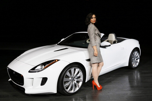 Gray Jacket「Jaguar Land Rover Host Special VIP Preview To Reveal The F-TYPE And All-New Range Rover At Paramount Studios」:写真・画像(14)[壁紙.com]