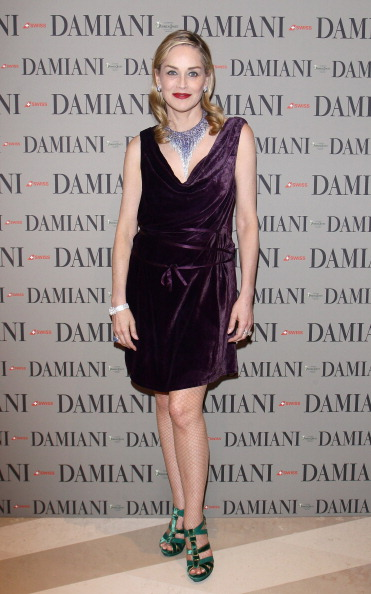 Fishnet Stockings「Sharon Stone Attends Cocktail Party At Damiani Flasghip Store」:写真・画像(3)[壁紙.com]
