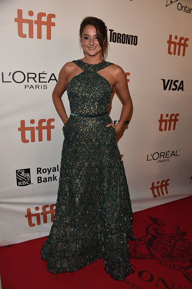 "Halter Top「2016 Toronto International Film Festival - ""Snowden"" Premiere - Arrivals」:写真・画像(2)[壁紙.com]"