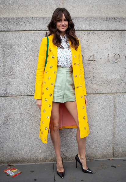 Mini Skirt「Street Style - New York Fashion Week February 2019 - Day 5」:写真・画像(15)[壁紙.com]
