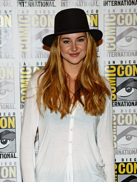Waist Up「'Ender's Game' And 'Divergent' Press Line - Arrivals - Comic-Con International 2013」:写真・画像(11)[壁紙.com]