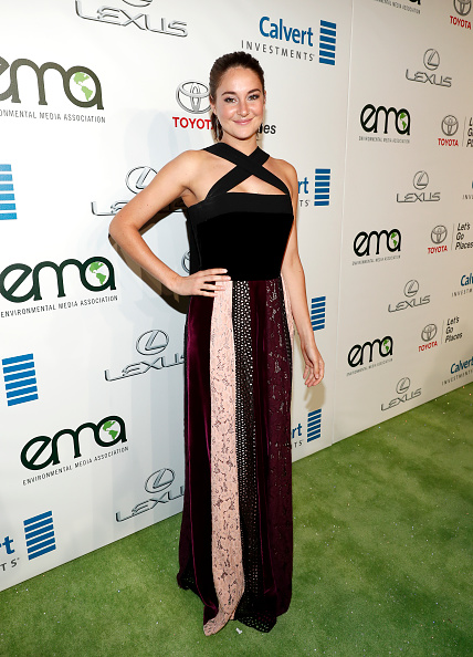 Pale Pink「Environmental Media Association Hosts Its 26th Annual EMA Awards Presented By Toyota, Lexus And Calvert - Red Carpet」:写真・画像(18)[壁紙.com]