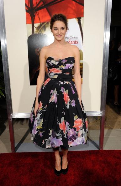 "Floral Pattern Dress「Premiere Of Fox Searchlight's ""The Descendants"" - Arrivals」:写真・画像(9)[壁紙.com]"