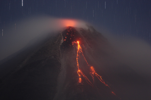Active Volcano「Costa Rica, Lava flow from arenal volcano eruption」:スマホ壁紙(15)