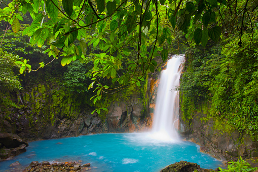 Atmospheric Mood「Costa Rica, Bijagua, Tenorio National park, Rio Celeste water fall」:スマホ壁紙(3)