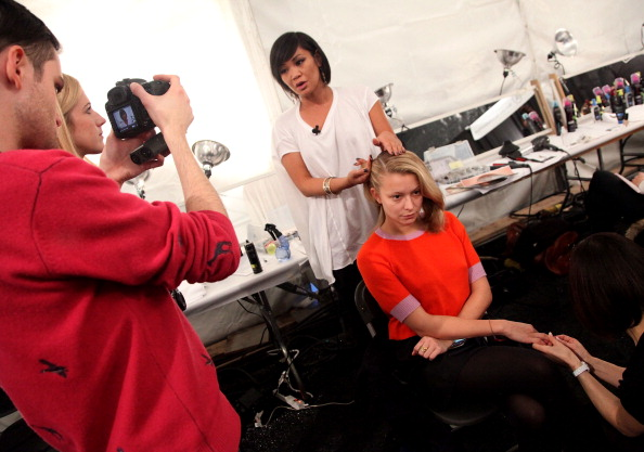 Annabelle Dexter Jones「TRESemme at Charlotte Ronson - Backstage - Fall 2011 Mercedes-Benz Fashion Week」:写真・画像(9)[壁紙.com]