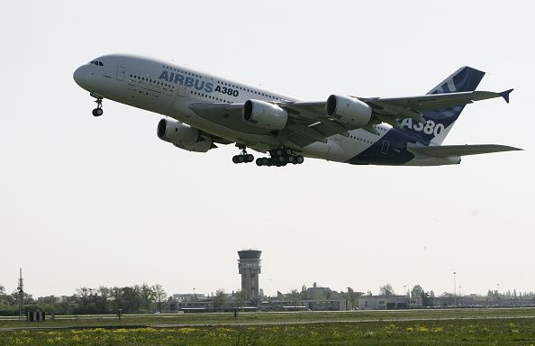 Airbus A380「A380 Super-Jumbo Jet Makes Maiden Flight」:写真・画像(10)[壁紙.com]