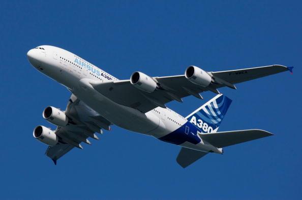 Airbus A380「Airbus A380 Takes Part In Fleet Week Air Show」:写真・画像(1)[壁紙.com]