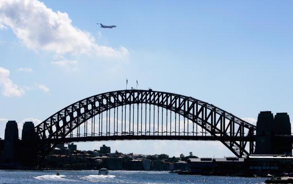 Sydney Harbor Bridge「AirBus 380 Arrives In Sydney」:写真・画像(19)[壁紙.com]