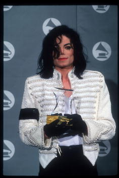 グラミー賞「Michael Jackson At The 1993 Grammy Awards」:写真・画像(19)[壁紙.com]