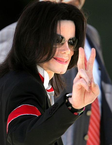 Carlo Allegri「Michael Jackson Court Case Continues」:写真・画像(9)[壁紙.com]