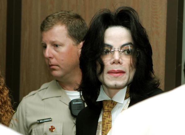 Sexual Abuse「The Michael Jackson Trial Continues」:写真・画像(13)[壁紙.com]