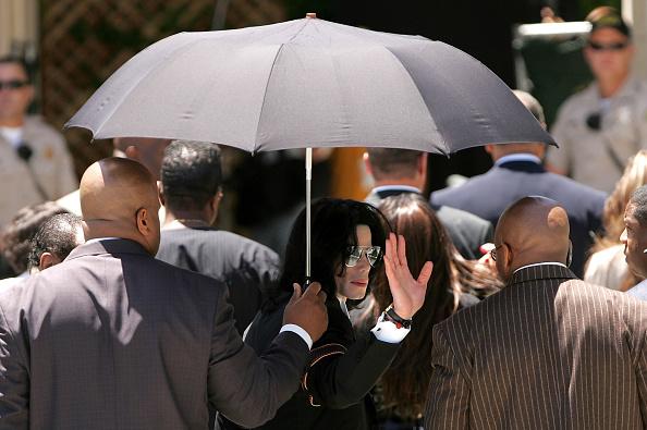 Protection「Verdict in the Michael Jackson Trial」:写真・画像(19)[壁紙.com]