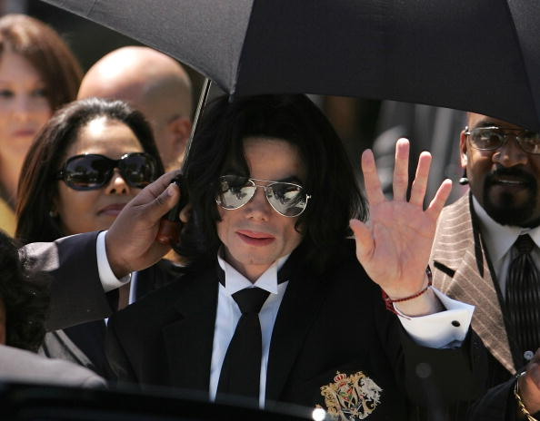 Legal Trial「Verdict in the Michael Jackson Trial」:写真・画像(4)[壁紙.com]
