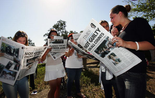 Express Newspapers「Michael Jackson Found Not Guilty」:写真・画像(8)[壁紙.com]
