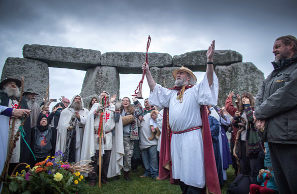 世界遺産「Autumn Equinox Is Celebrated At Stonehenge」:写真・画像(0)[壁紙.com]