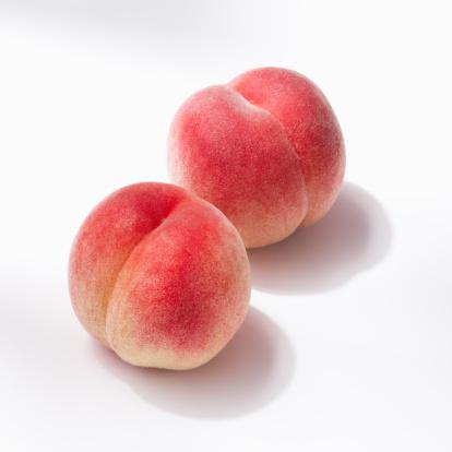 Peach「Two peaches」:スマホ壁紙(8)
