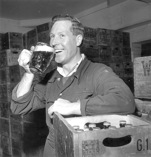 Glass - Material「Drinking Beer」:写真・画像(6)[壁紙.com]