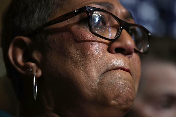 2015 Emanuel AME Church Charleston Shootings「Senate Democrats And Gun Violence Victims Urge Passage Of Gun Control Legislation」:写真・画像(9)[壁紙.com]
