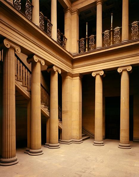 Model Home「The Pillar Hall, Belsay Hall, Northumberland, c2000s(?)」:写真・画像(15)[壁紙.com]