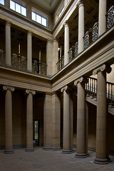 2000s Style「The Pillar Hall, Belsay Hall, Northumberland, 2009」:写真・画像(18)[壁紙.com]
