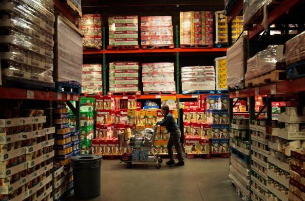 Costco Wholesale Corporation「Economic Downturn Prompts Economy Shopping In American Southwest」:写真・画像(5)[壁紙.com]