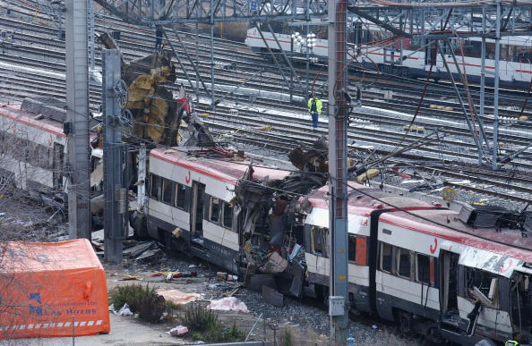 Madrid「Madrid Train Blasts Cause Devastation」:写真・画像(17)[壁紙.com]