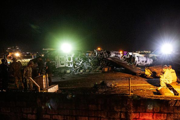 Concepts & Topics「Medical Evacuation Plane Crashes At Manila Airport」:写真・画像(15)[壁紙.com]