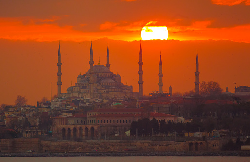 Spirituality「Blue mosque at sunset」:スマホ壁紙(7)