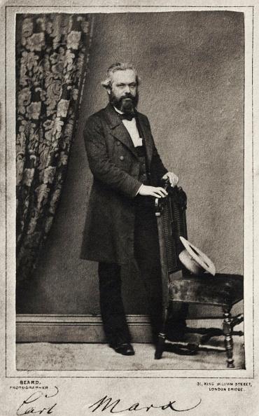 Writing「Karl Marx,  signed portrai taken in London by Beard.」:写真・画像(16)[壁紙.com]