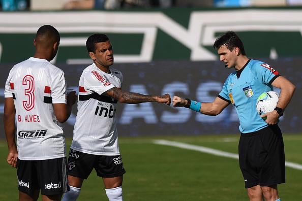 Campeonato Brasileiro Série A「Goias v Sao Paulo Suspended The First Round of the 2020 Brasileirao Series After Players Tested Positive for Coronavirus」:写真・画像(10)[壁紙.com]