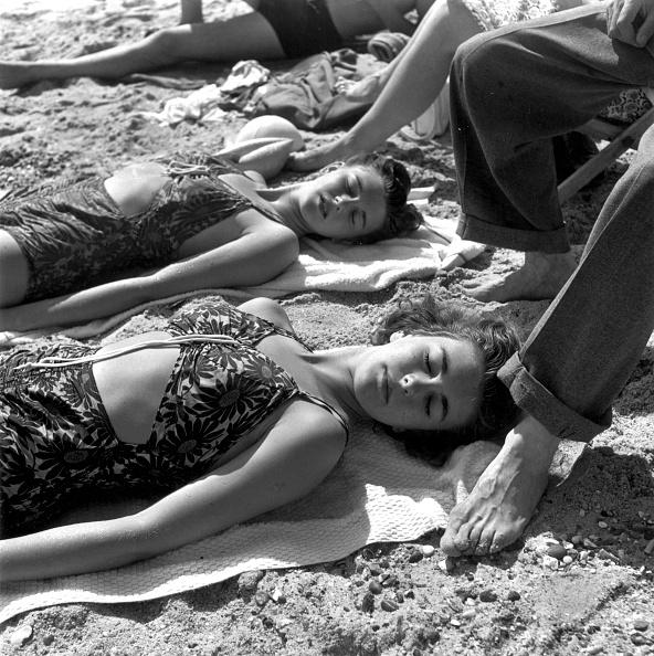 水着「Sunbathers」:写真・画像(15)[壁紙.com]