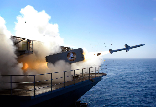 Anti-Aircraft「A RIM-7 Sea Sparrow missile launches from USS Abraham Lincoln.」:スマホ壁紙(3)