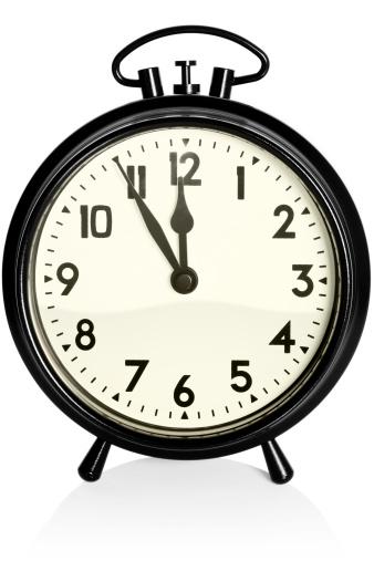 Clock「Old, black alarm clock showing 11.55am / pm」:スマホ壁紙(17)