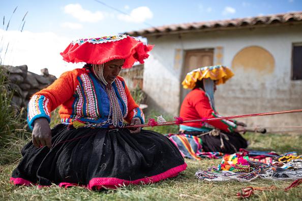 ベストオブ「Quechua Women Use Traditional Weaving Techniques」:写真・画像(9)[壁紙.com]