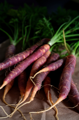 Carrot「Purple Heirloom Carrots」:スマホ壁紙(6)