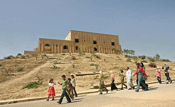 Saddam's Palace Turned to Hotel and Tourist Site:ニュース(壁紙.com)