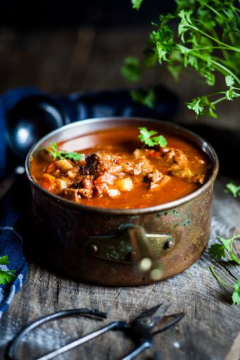 Stew「Goulash soup with flat leaf parsley」:スマホ壁紙(7)