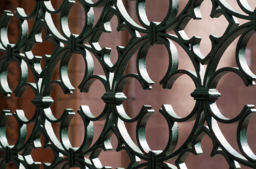 Iron - Metal「Iron grate, close-up」:スマホ壁紙(10)
