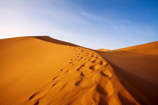 Awbari Sand Sea「Dunhuang,Gansu,China」:スマホ壁紙(3)