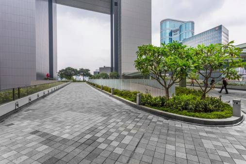 Pedestrian Walkway「green of office area in hong kong」:スマホ壁紙(10)