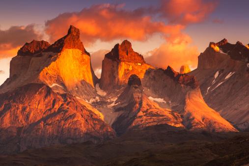 Moody Sky「Chile, Torres del Paine National Park, Landscape」:スマホ壁紙(8)